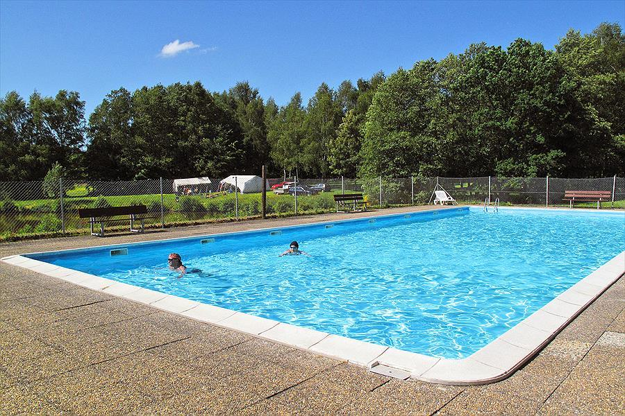 Verwarmde zwembad van Camping Reinsfeld